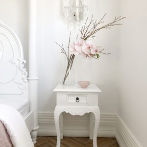 Parnella-bedside-table3