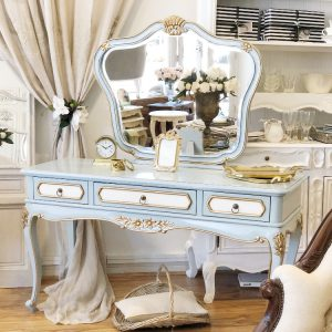Adrianna-mirrored-back-dressing-table2