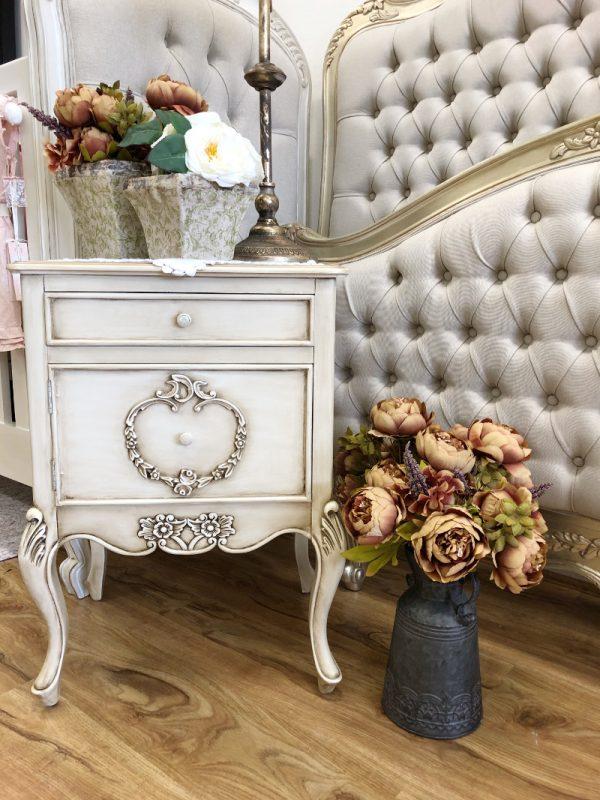 Cassiter Bedside Table