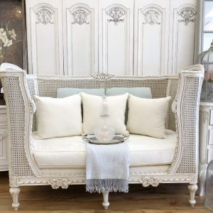Jakobie French Settee