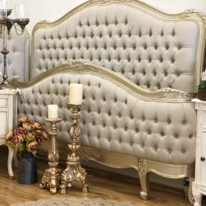 Melyna Tufted Bed